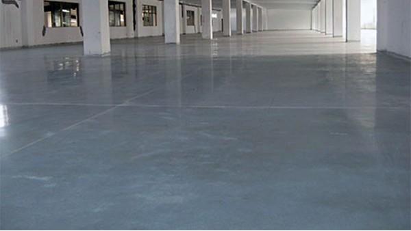 地坪漆厂家分享地坪起砂对生产企业的危害