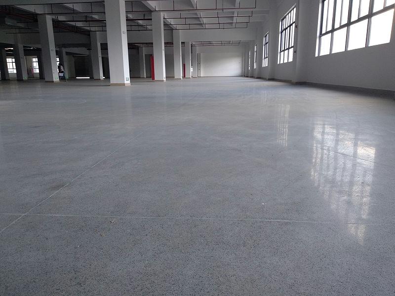 金刚砂固化地坪完工