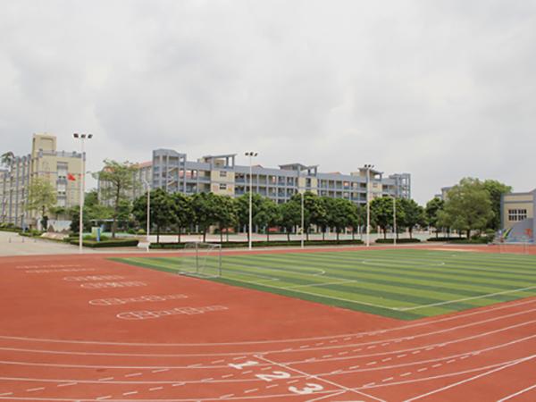 广东东莞某中心小学塑胶跑道+硅pu球场案例