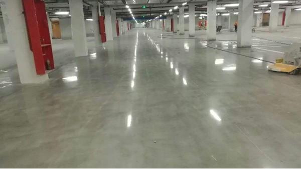 金刚砂耐磨硬化地坪一平方米使用量多少?