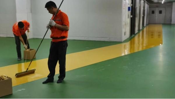 地坪漆厂家教你如何分辨水性聚氨酯地坪的质量好坏