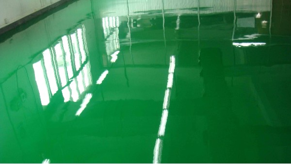 环氧防静电地坪有刷痕和失光的原因