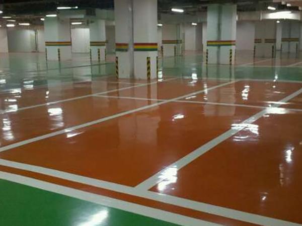 东莞汇景豪庭杰美停车场地坪漆案例