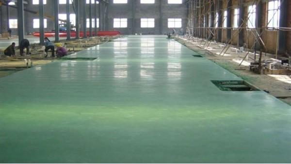 金刚砂耐磨硬化地坪颜色不均匀的原因及解决方法
