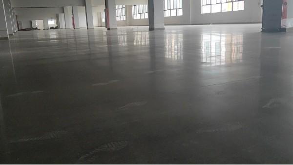 为什么会旧环氧地坪都用密封固化地坪来取代?